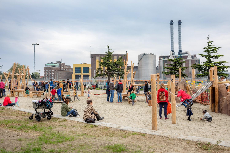 wijkpark de verademing met speelplaats