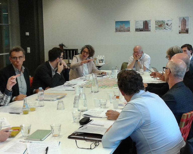 experts in discussie over de expertmeeting