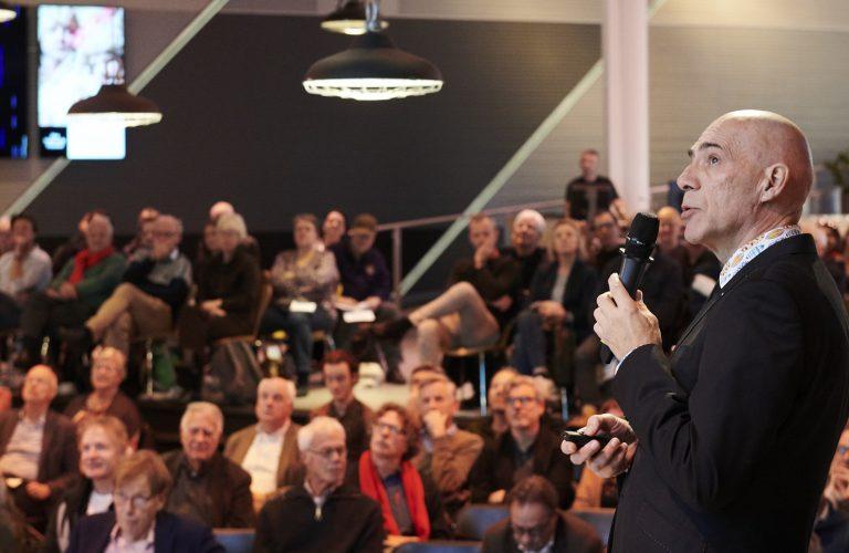 Jan Latten tijdens stadgesprek over bevolkingsgroei van den haag