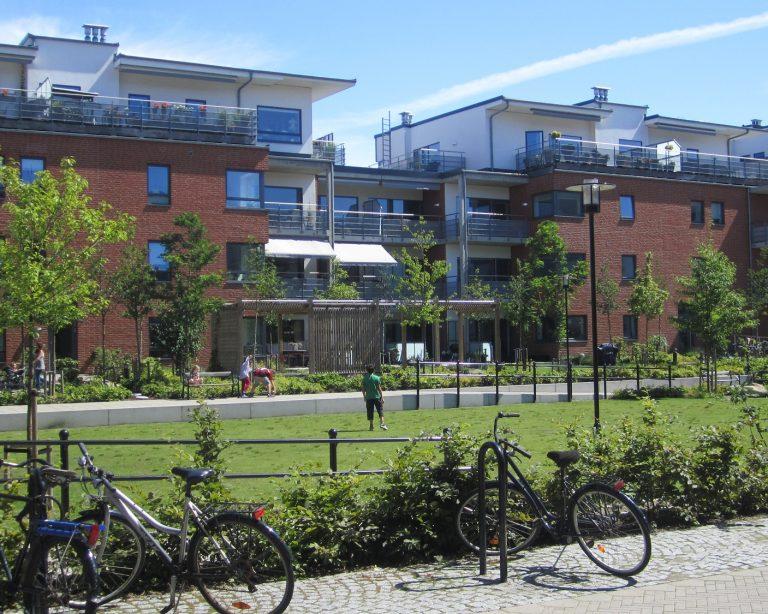 kindvriendelijke openbare ruimte met groen en spel